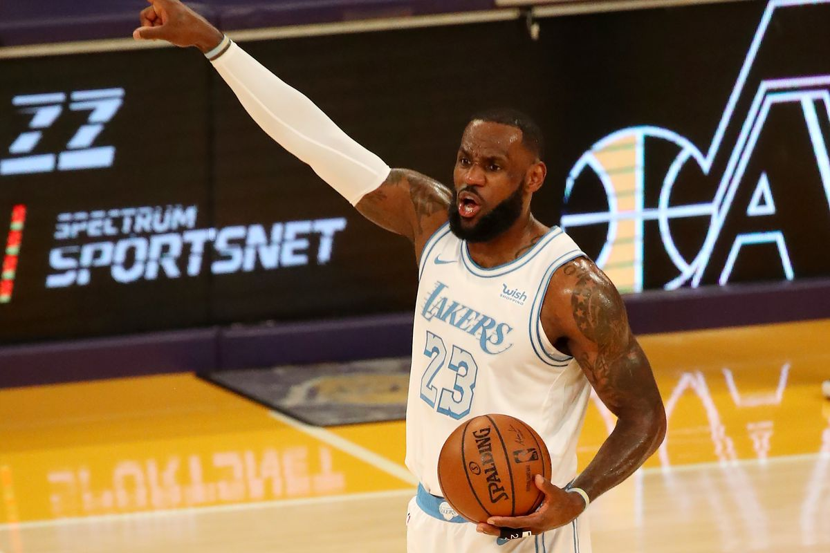LeBron James of the Los Angeles Lakers calls out a play against the Washington Wizards during the second quarter at Staples Center on February 22, 2021 in Los Angeles, California.