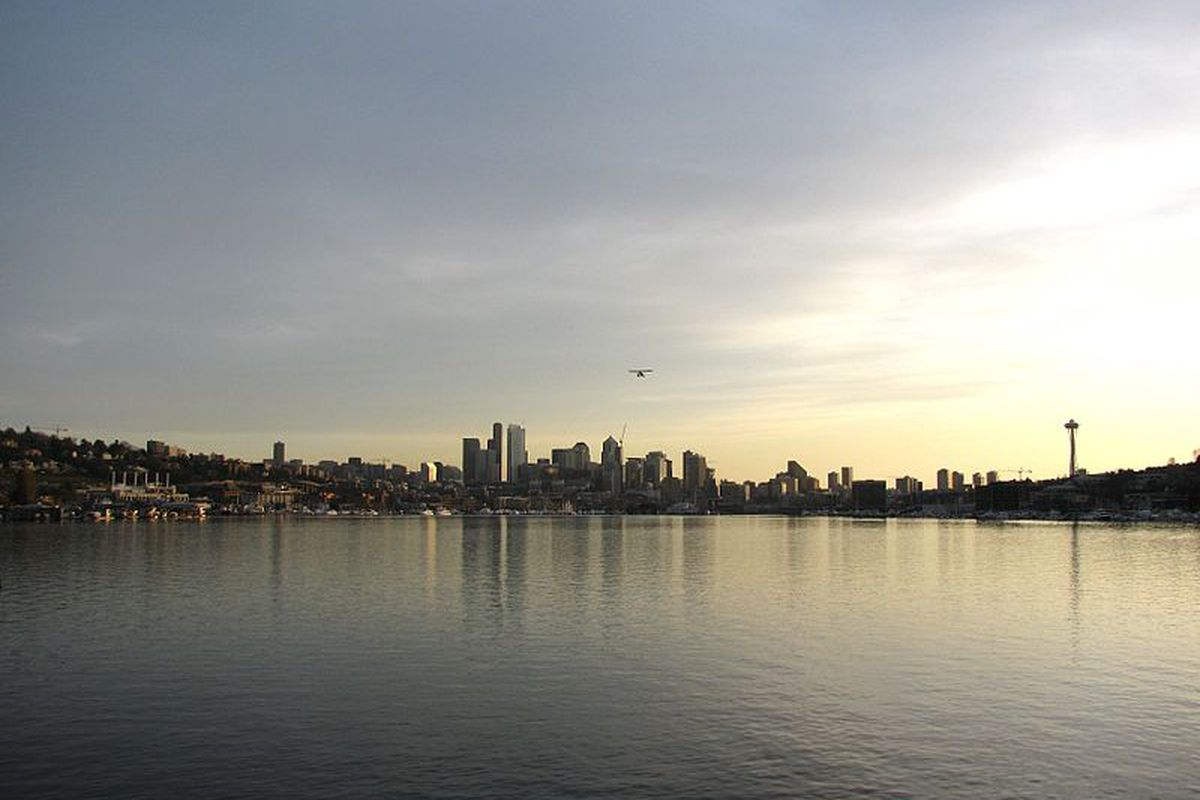 """Will another top Rays pick come from the Pacific Northwest? credit <a href=""""http://upload.wikimedia.org/wikipedia/en/thumb/0/06/Lake_Union_Plane.jpg/800px-Lake_Union_Plane.jpg"""">Wikipedia</a>"""