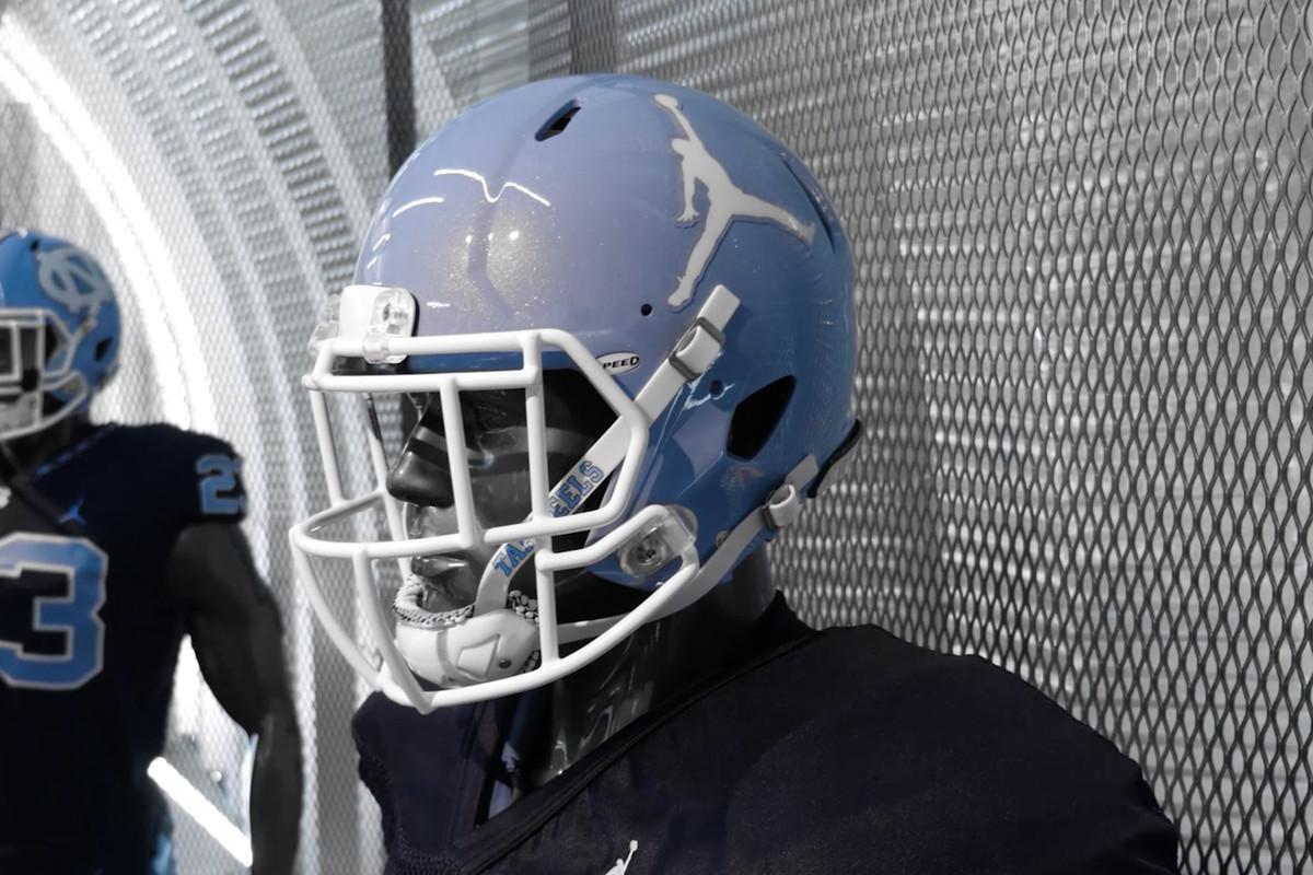 quality design eb355 7df20 UNC's new Jordan Brand football uniforms include a Jumpman ...
