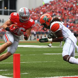 Jeff Heuerman gunning for the end zone.