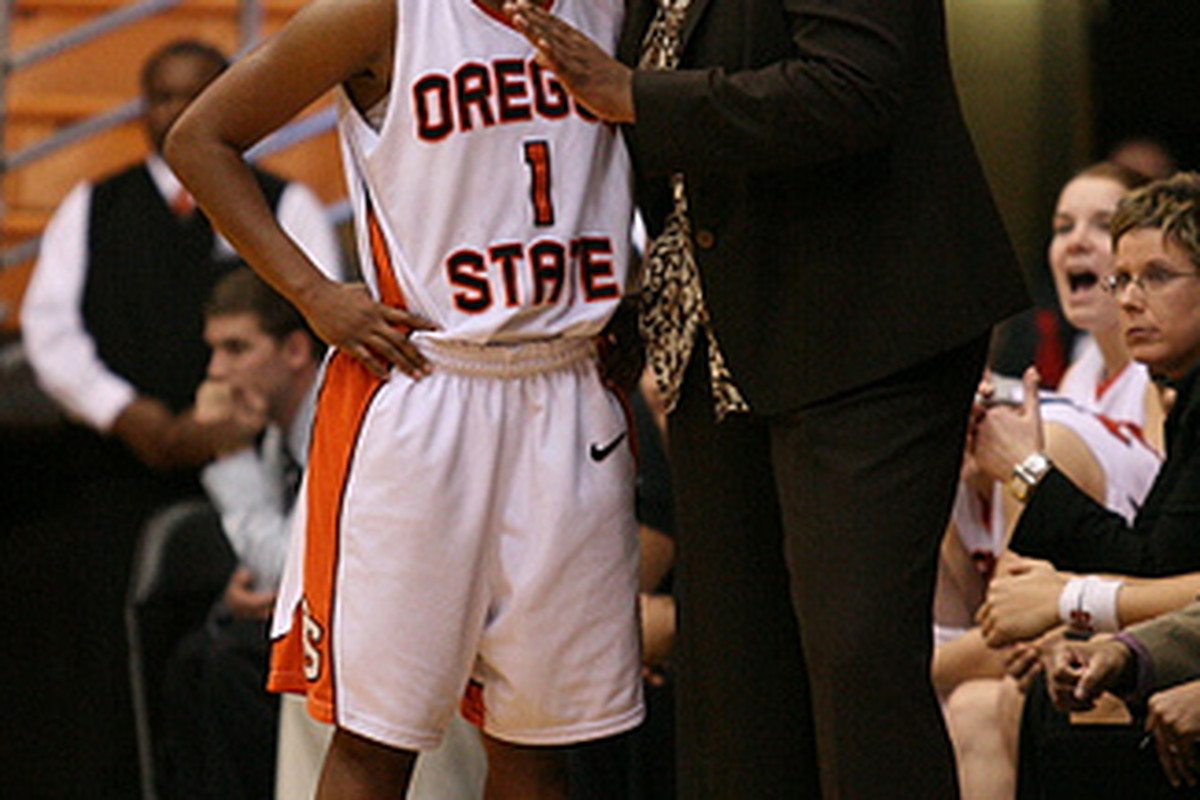 LaVonda Wagner, during the 2009 season, with Mercedes Fox-Griffin.