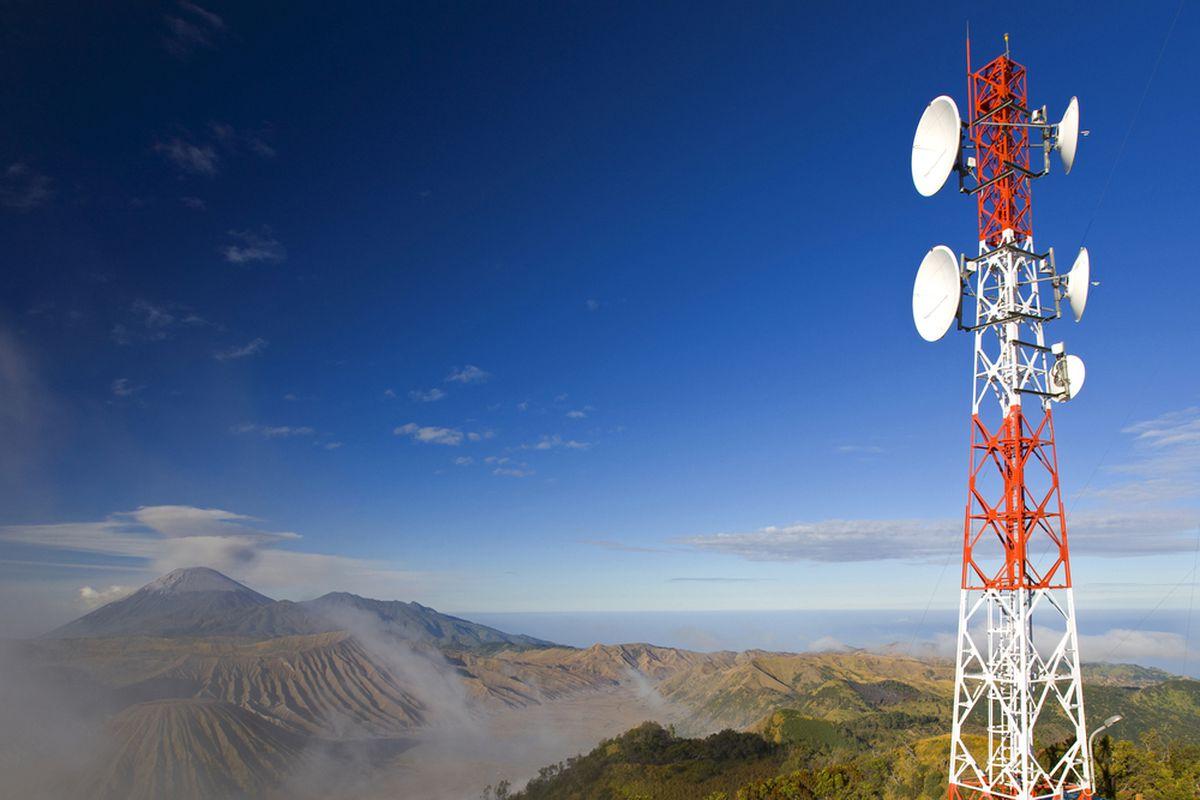 Wireless tower (SHUTTERSTOCK)