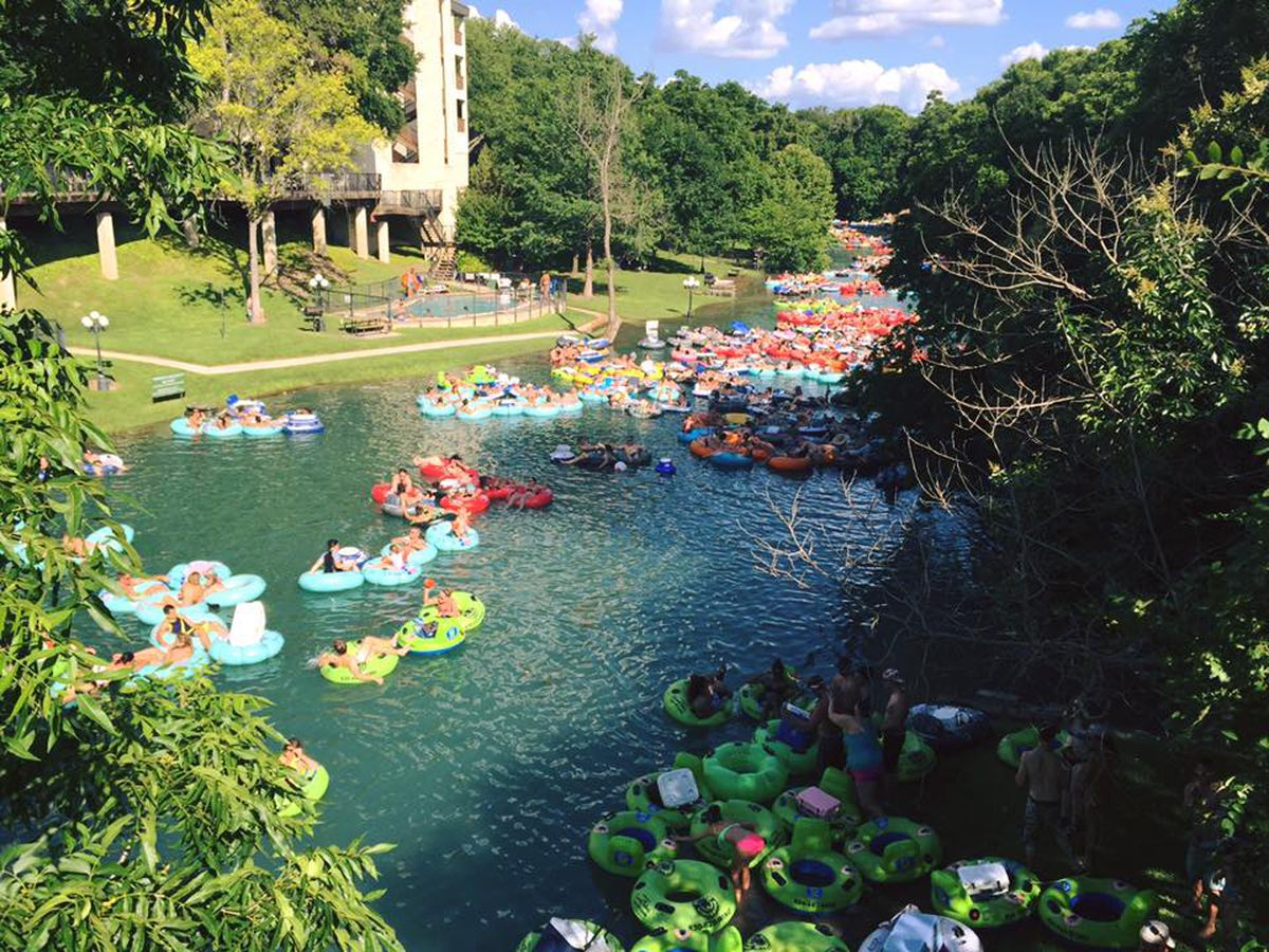 9 Restaurants to Refuel After River Tubing in Texas