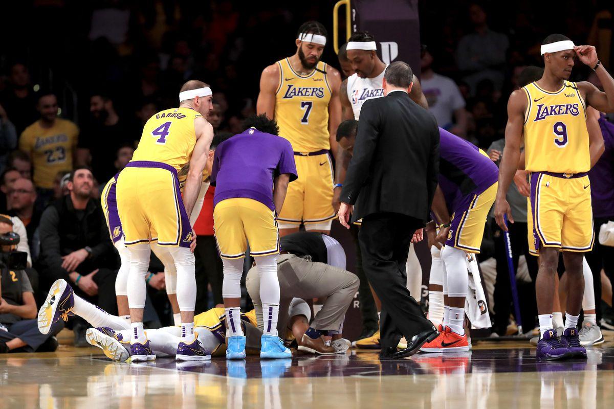 New York Knicks v Los Angeles Lakers