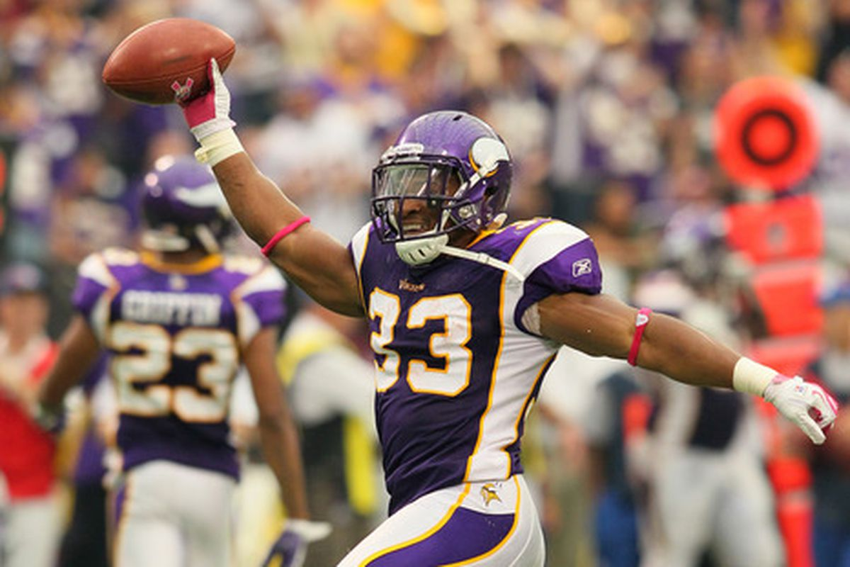 Sanford signs a two year deal to remain a Minnesota Viking
