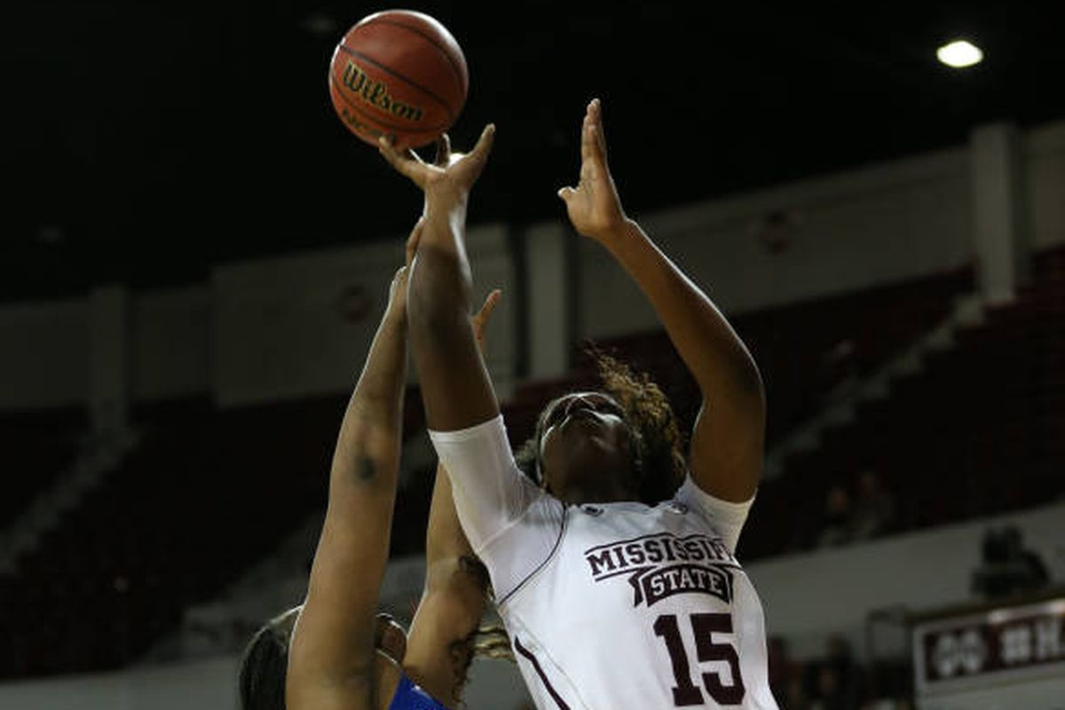Sherise Williams shoots for the Bulldogs