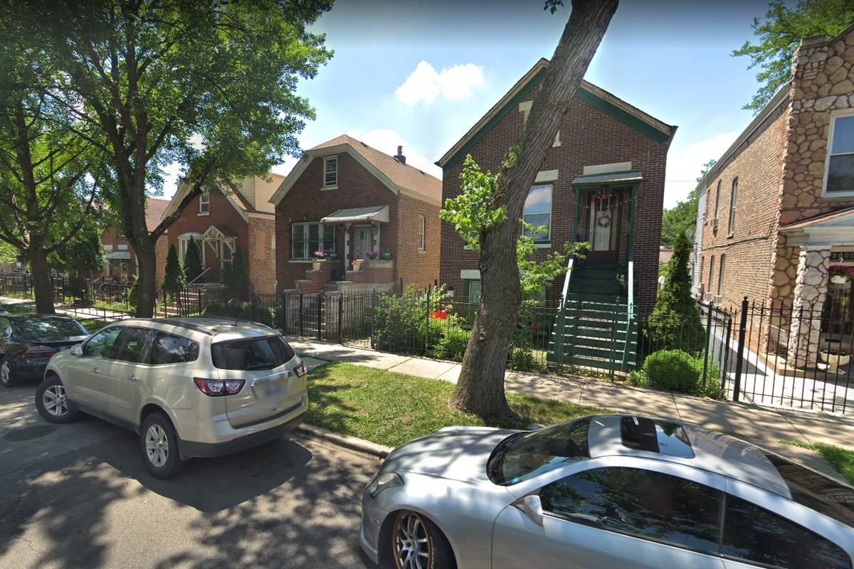 An armed robbery was reported Aug. 30, 2019 in the 3000 block of South Hamlin Avenue.