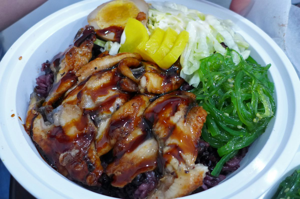 Instead of a glutinous rice roll, try an eel bowl.
