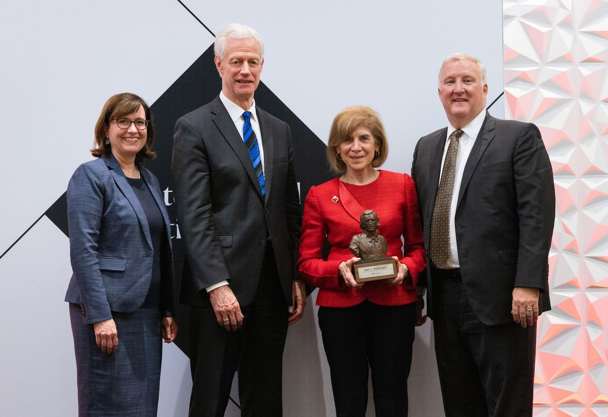 American Red Cross President and CEO Gail McGovern received the 2021 International Executive of the Year Award from BYU.