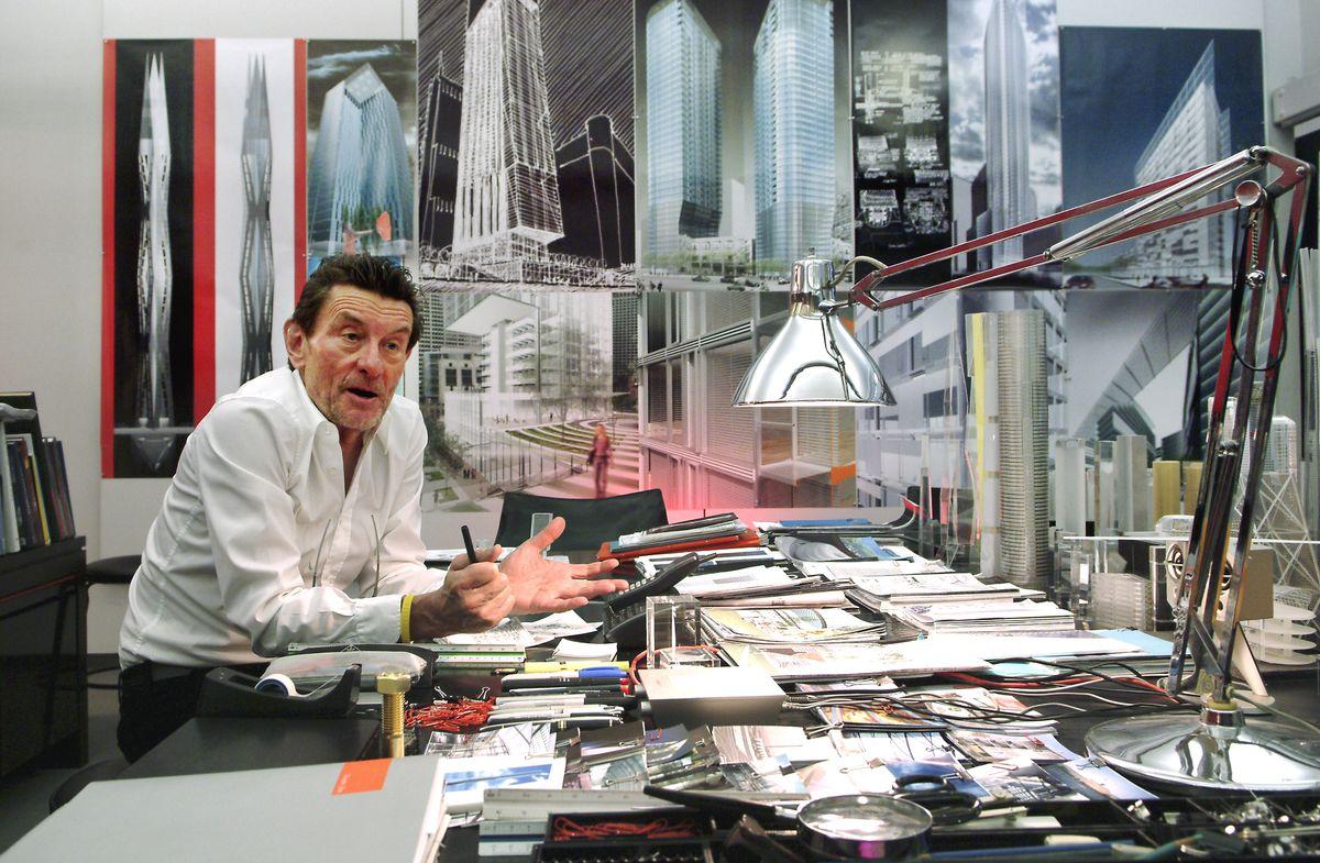 Architect Helmut Jahn in his East Wacker Drive office in 2006.
