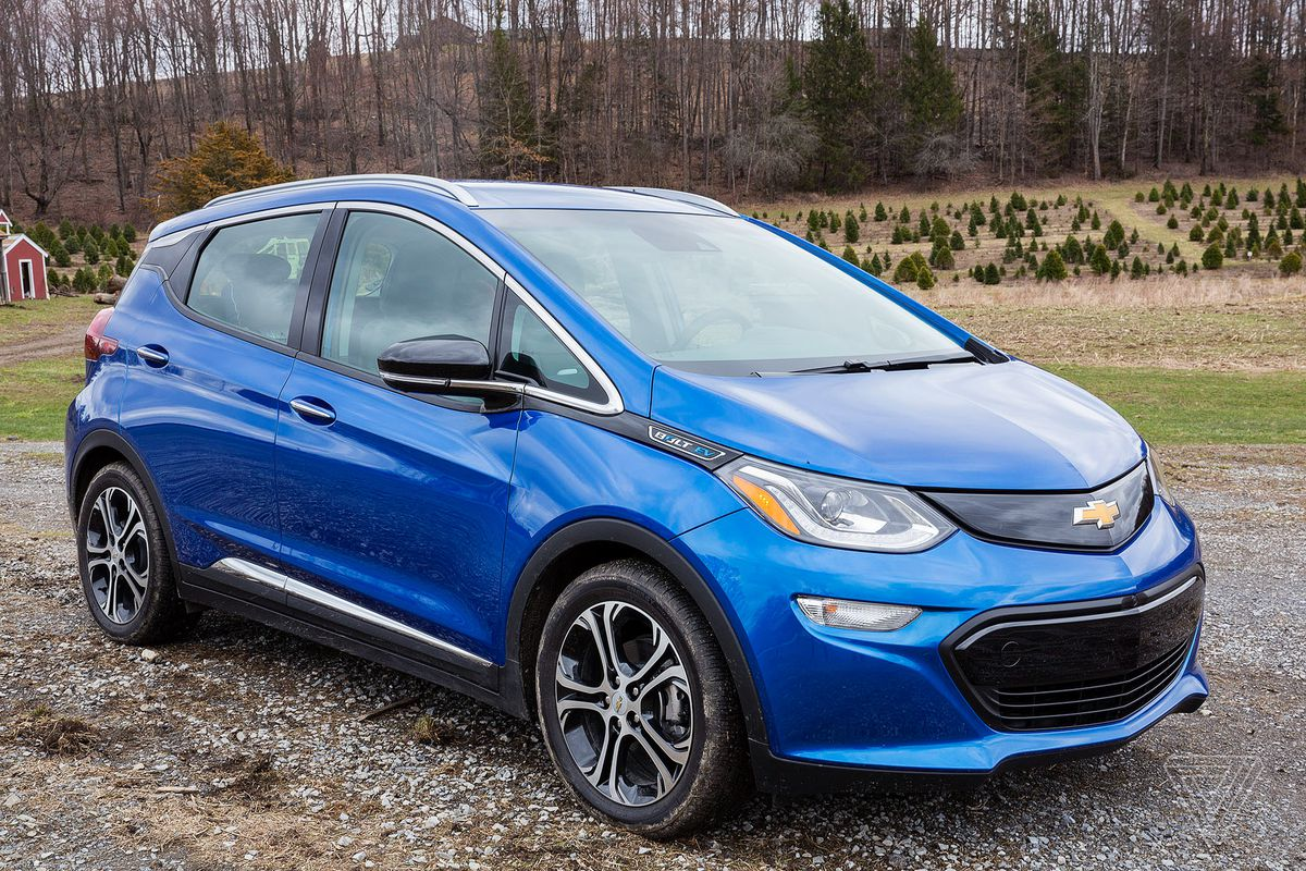 chevy bolt beats the tesla model s 75d in a new consumer reports range test