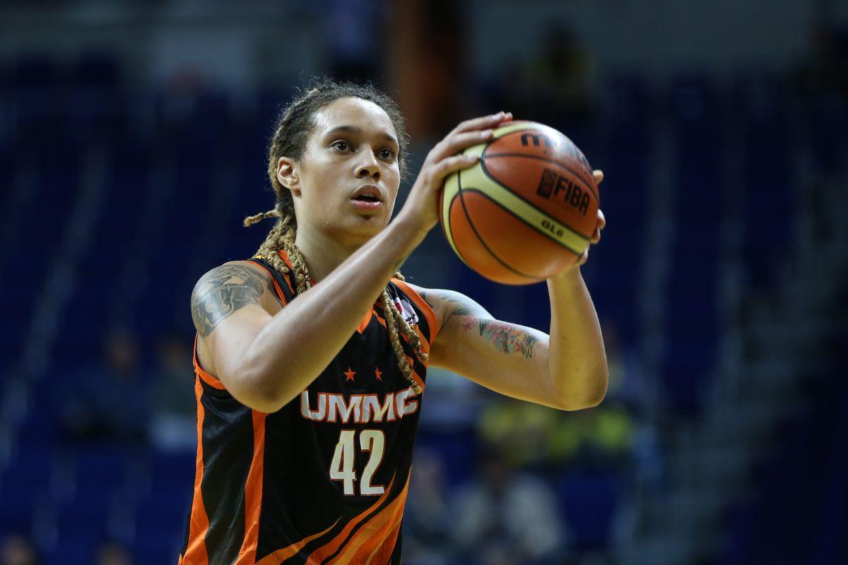 USK Prag v UMMC Ekaterinburg - FIBA EuroLeague