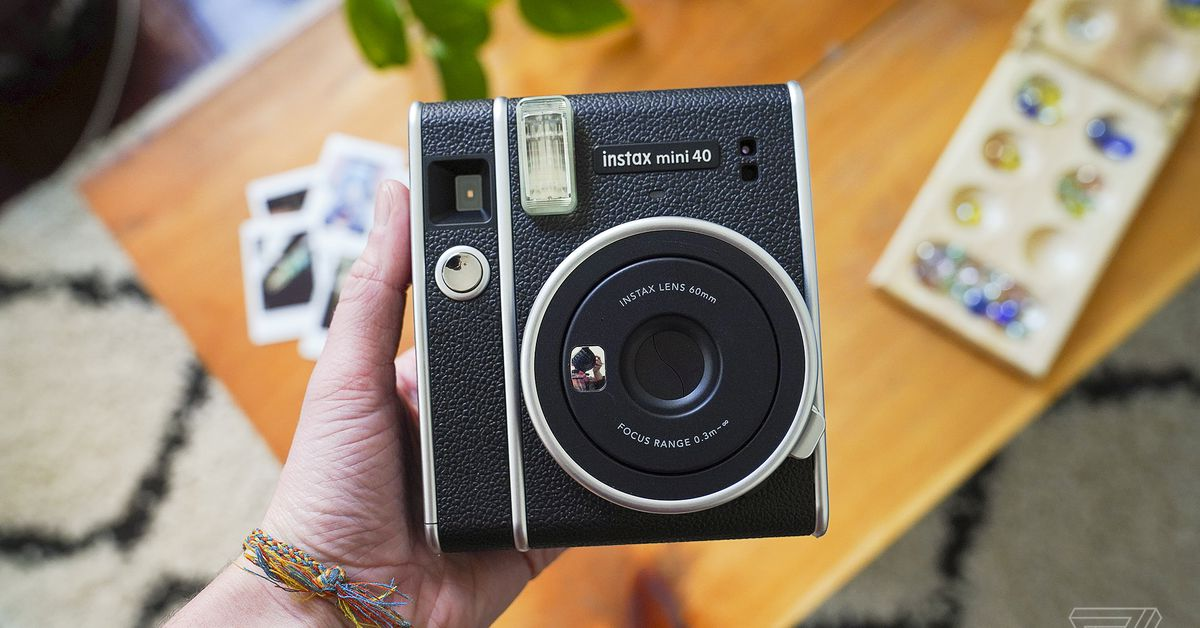 Fujifilm's new Instax Mini 40 is a 0 vintage-looking toy