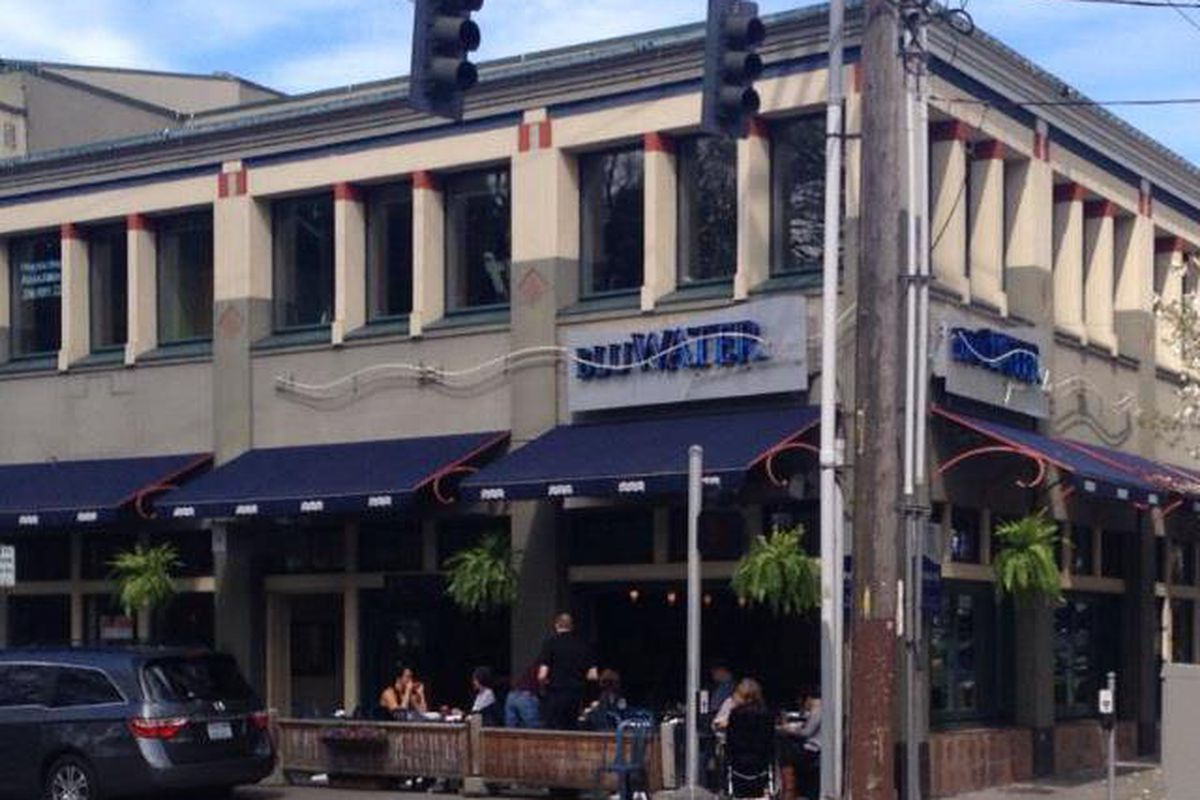 BluWater Bistro on Green Lake will be replaced with JaK's Grill