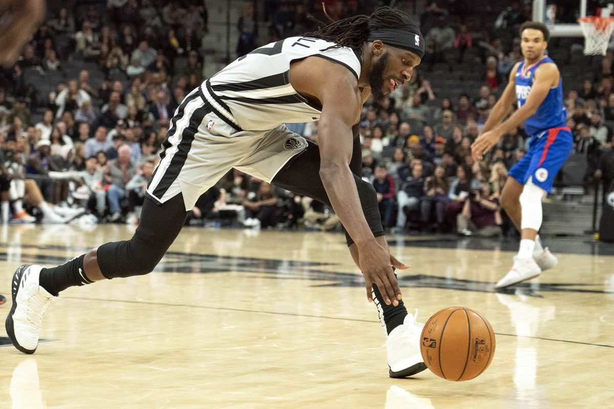The DeMarre Carroll Affair is becoming a black eye for the Spurs