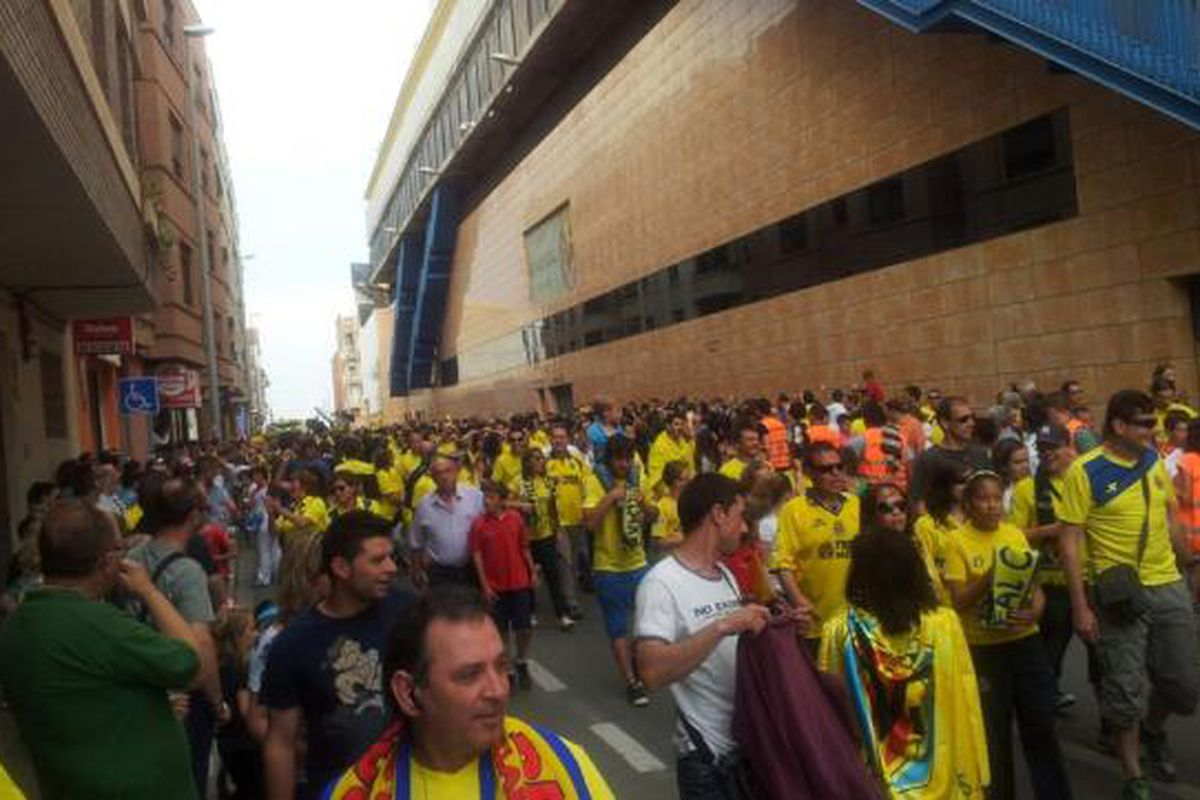 The crowd on the way to El Madrigal on Sunday.