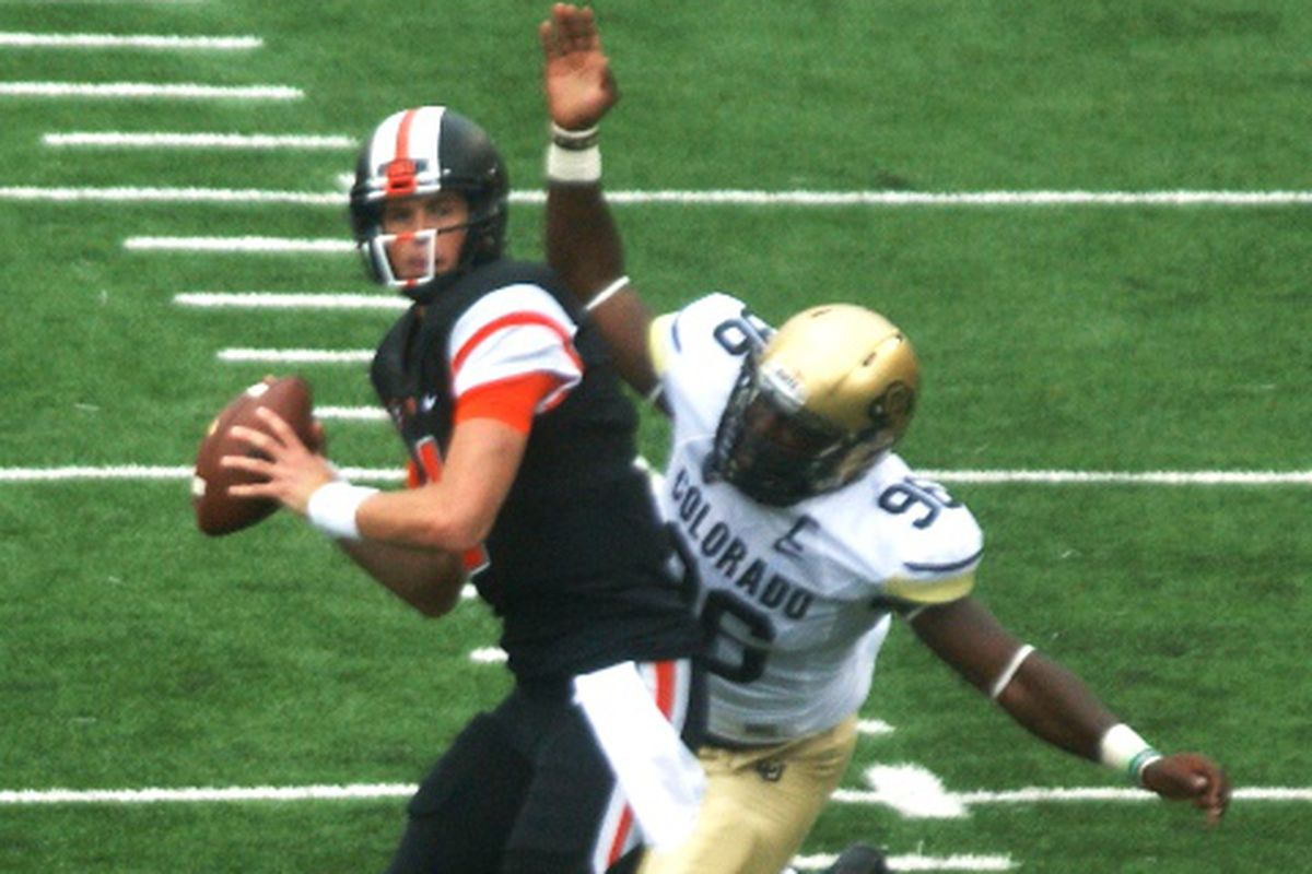 Oregon St. quarterback Sean Mannion will be airing it out for the Beavers for one more season.