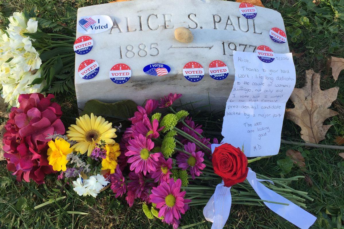 Alice S. Paul grave