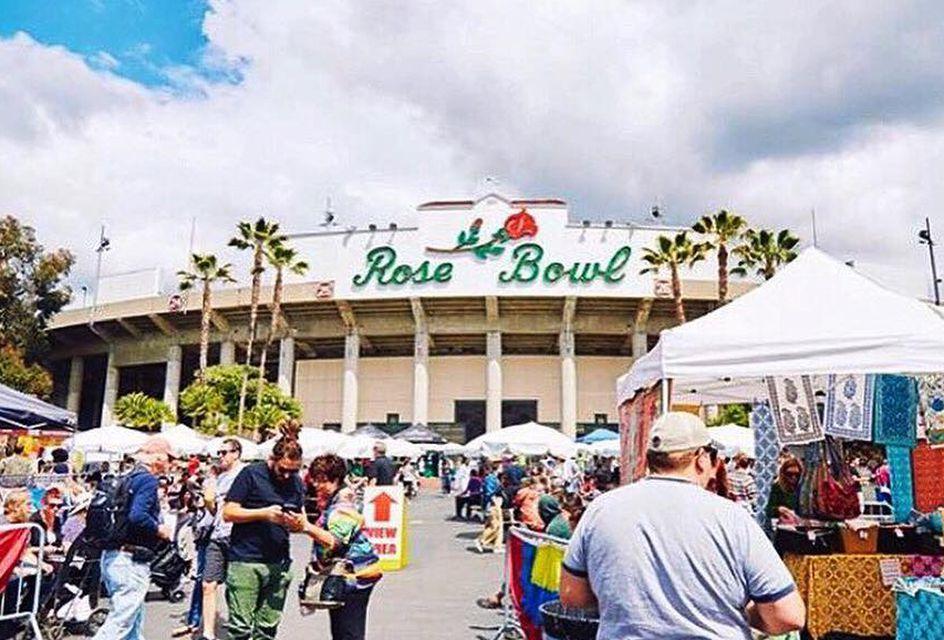 Photo Rose Bowl Flea Market