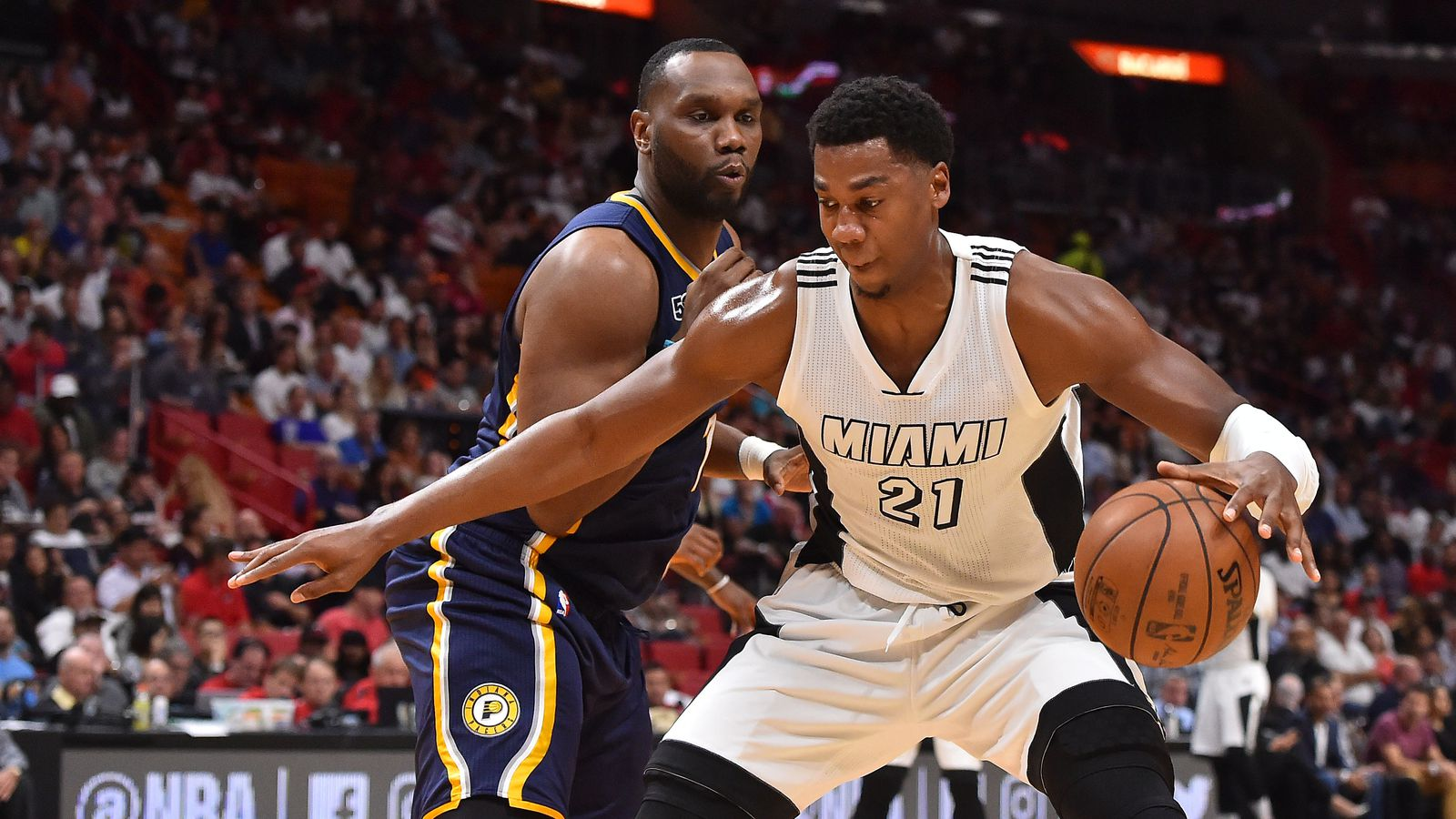 STATS: Hassan Whiteside owns the paint - Hot Hot Hoops