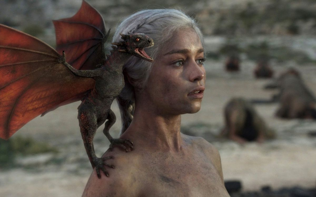 game of thrones season 1 episode 10 fire and blood daenerys naked dragon