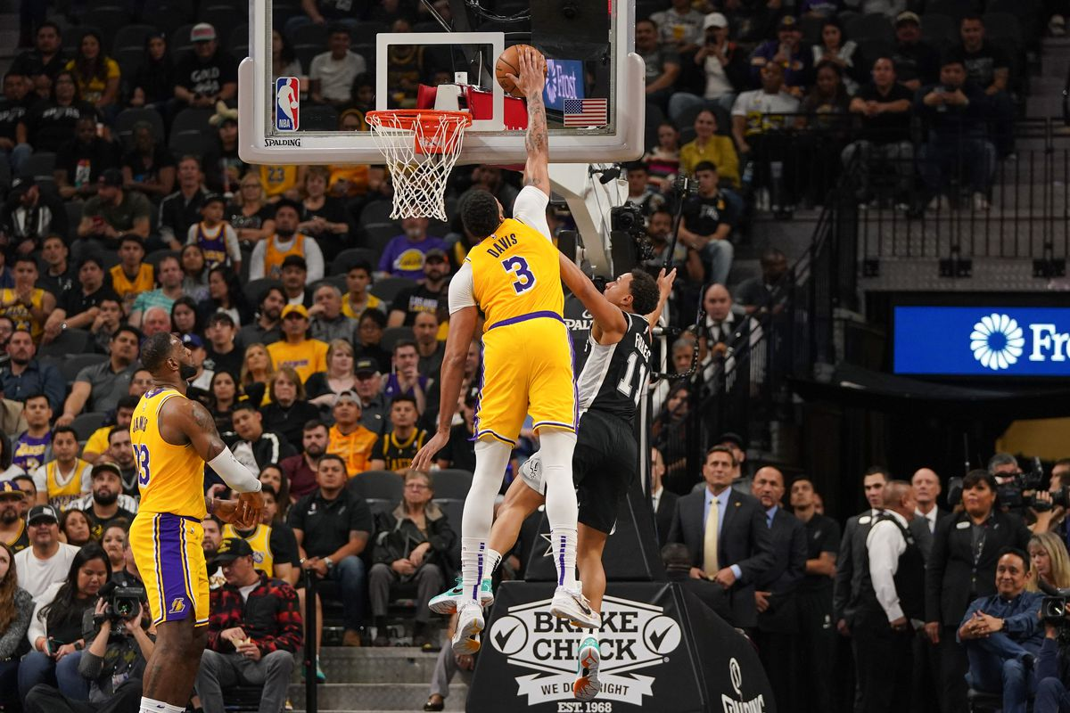 Lakers: The case for Anthony Davis as Defensive Player of the Year ...