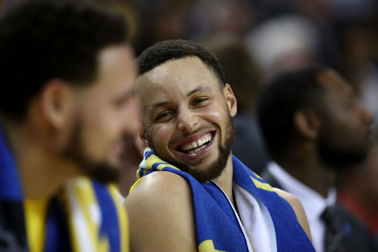1140053337.jpg.0 - Steph Curry just got contacts after needing glasses his entire career. We're doomed