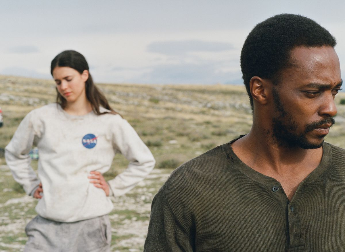 Margaret Qualley and Anthony Mackie in Netflix's Io
