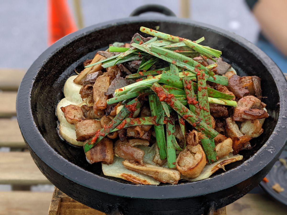 Mixed intestines platter at Chadolpoong