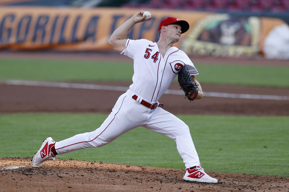 Sonny Gray #54 of the Cincinnati Reds pitches in the second inning against the Chicago Cubs at Great American Ball Park on July 29, 2020 in Cincinnati, Ohio.