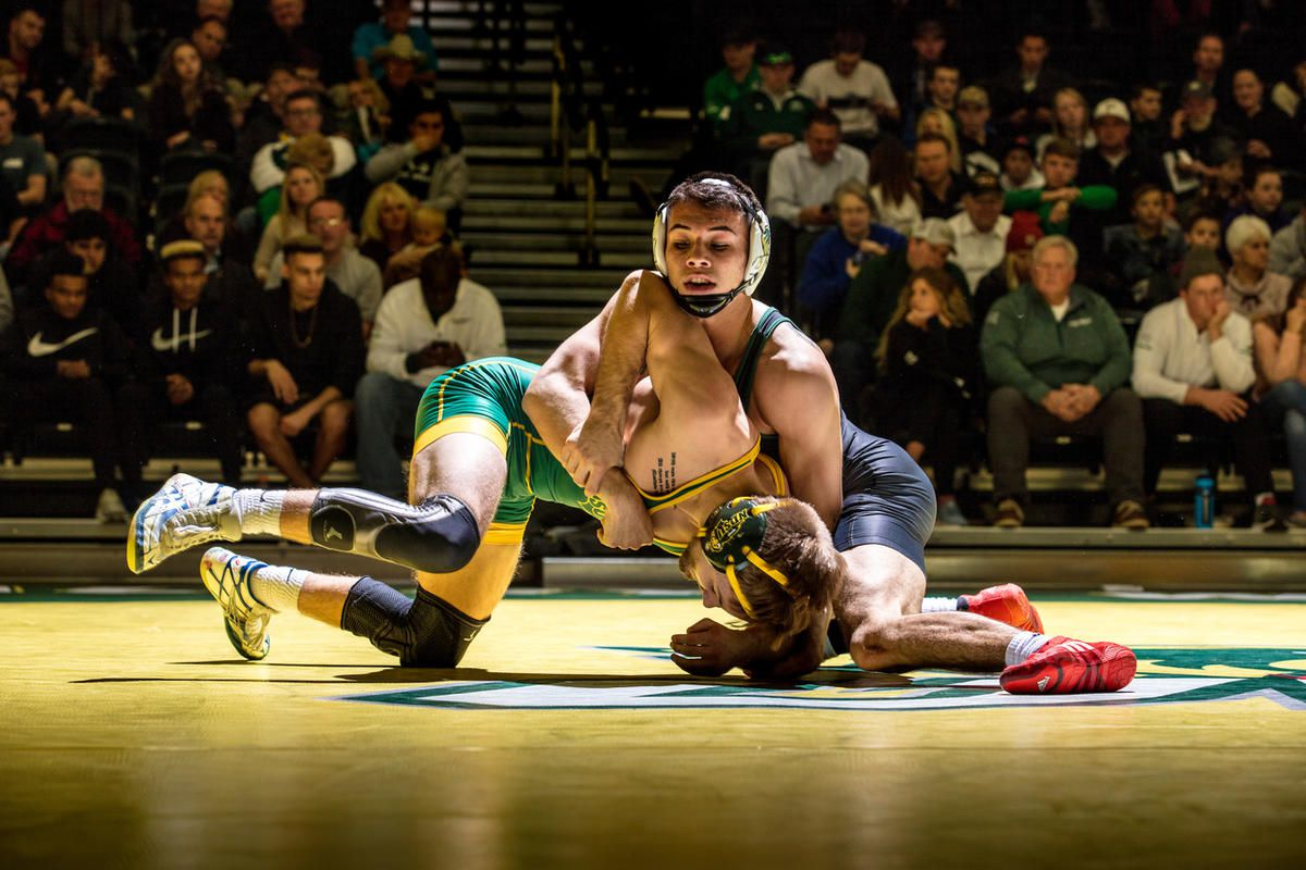 UVU wrestling: Wolverines claim seven bouts, top Fresno