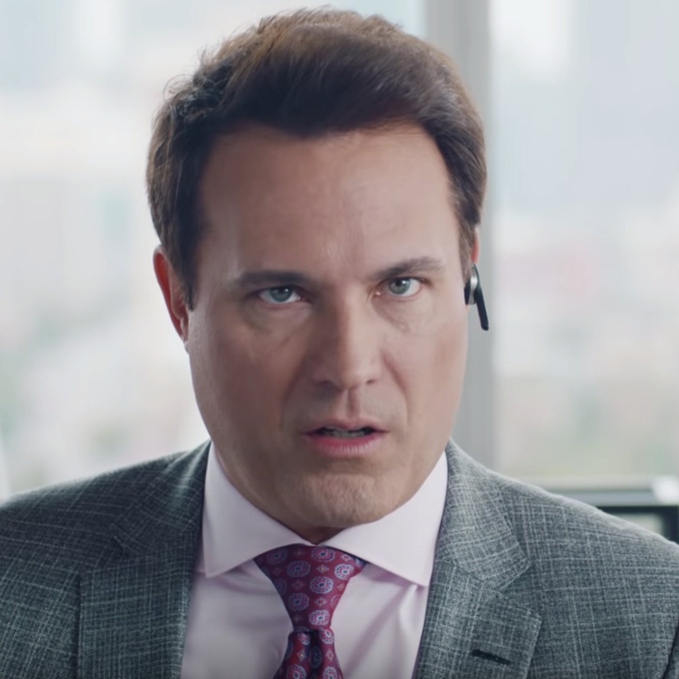 Aaron Rodgers Agent In The State Farm Ads Is The Worst Character On Tv Sbnation Com