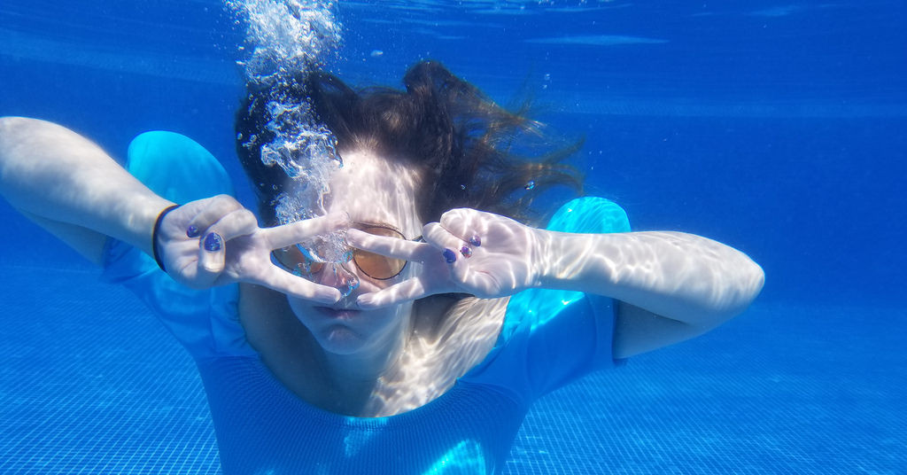 Hot Advice: Take a Vacation and an Underwater Selfie