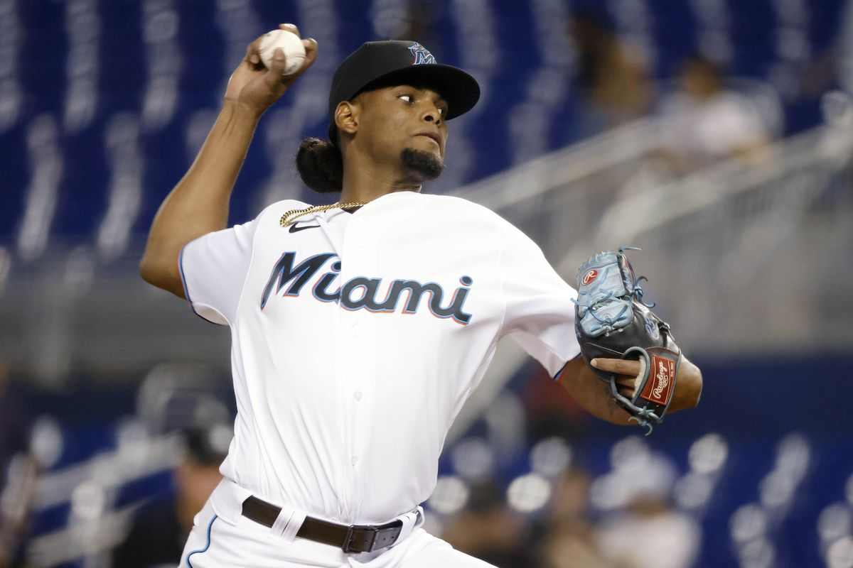 Miami Marlins starting pitcher Edward Cabrera (79) delivers a pitch during the first inning against the Washington Nationals at loanDepot Park