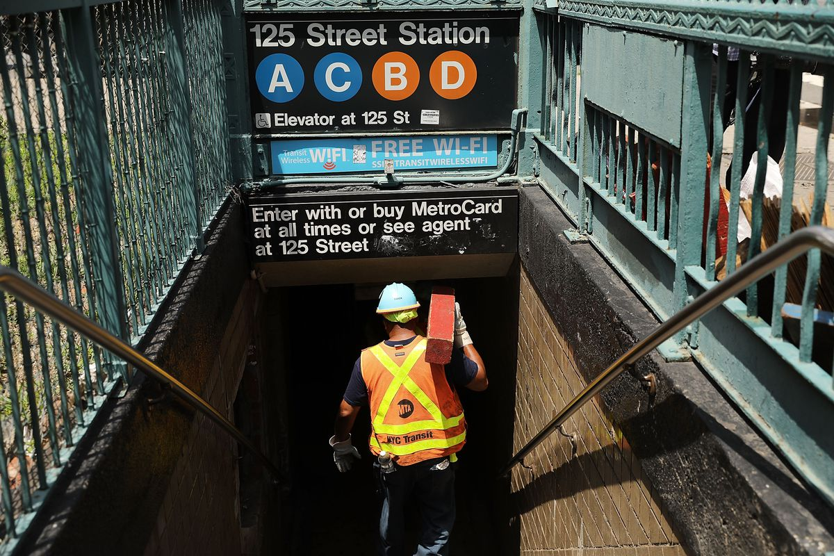 Harlem Subway Derailment Leads To Massive Service