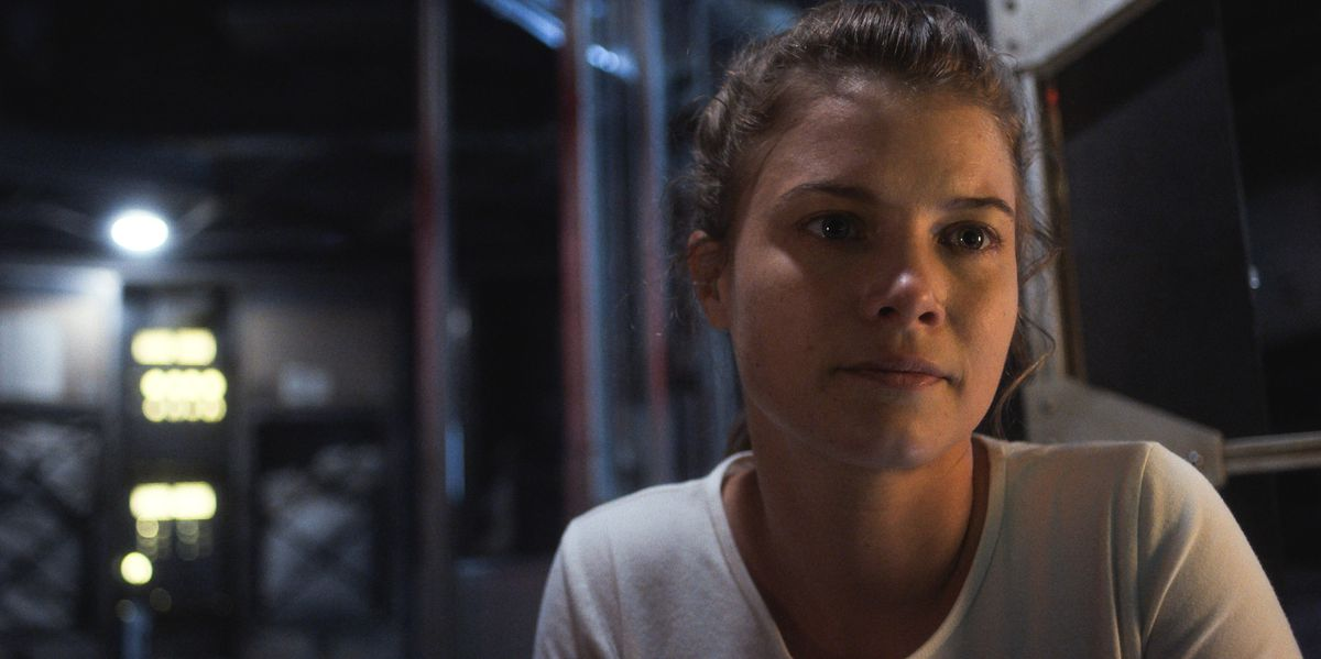 Tracy (Sarah Jones) realizes that she has to do something incredibly dangerous to save lives.