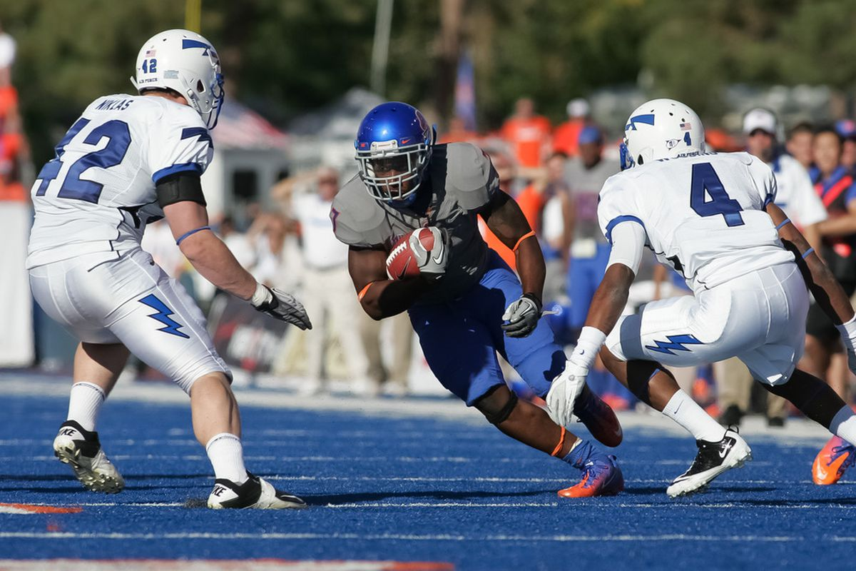 BOISE, ID - OCTOBER 22:  D.J. Harper #7 of the Boise State Broncos runs the ball against the Air Force Falcons at Bronco Stadium on October 22, 2011 in Boise, Idaho.  (Photo by Otto Kitsinger III/Getty Images)