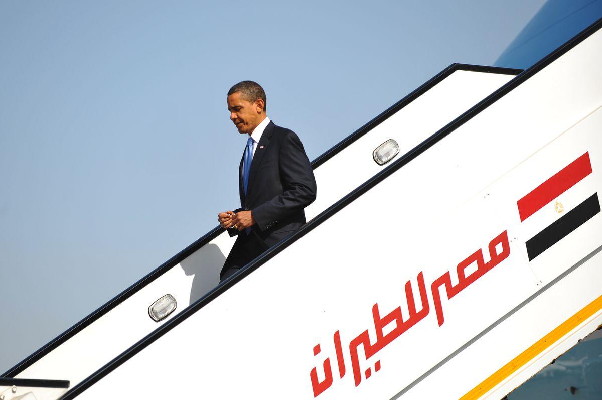 Obama arrives in Egypt 2009