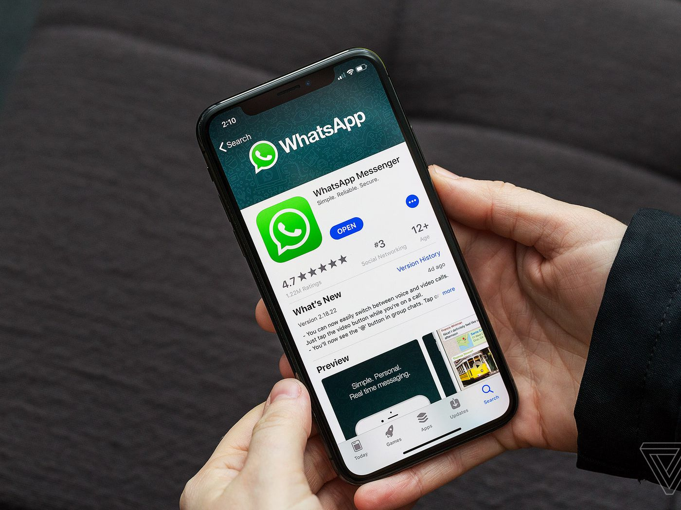 Whatsapp Messages Can Now Be Deleted An Hour After You Sent Them By 3 Way Switch History Mistake The Verge