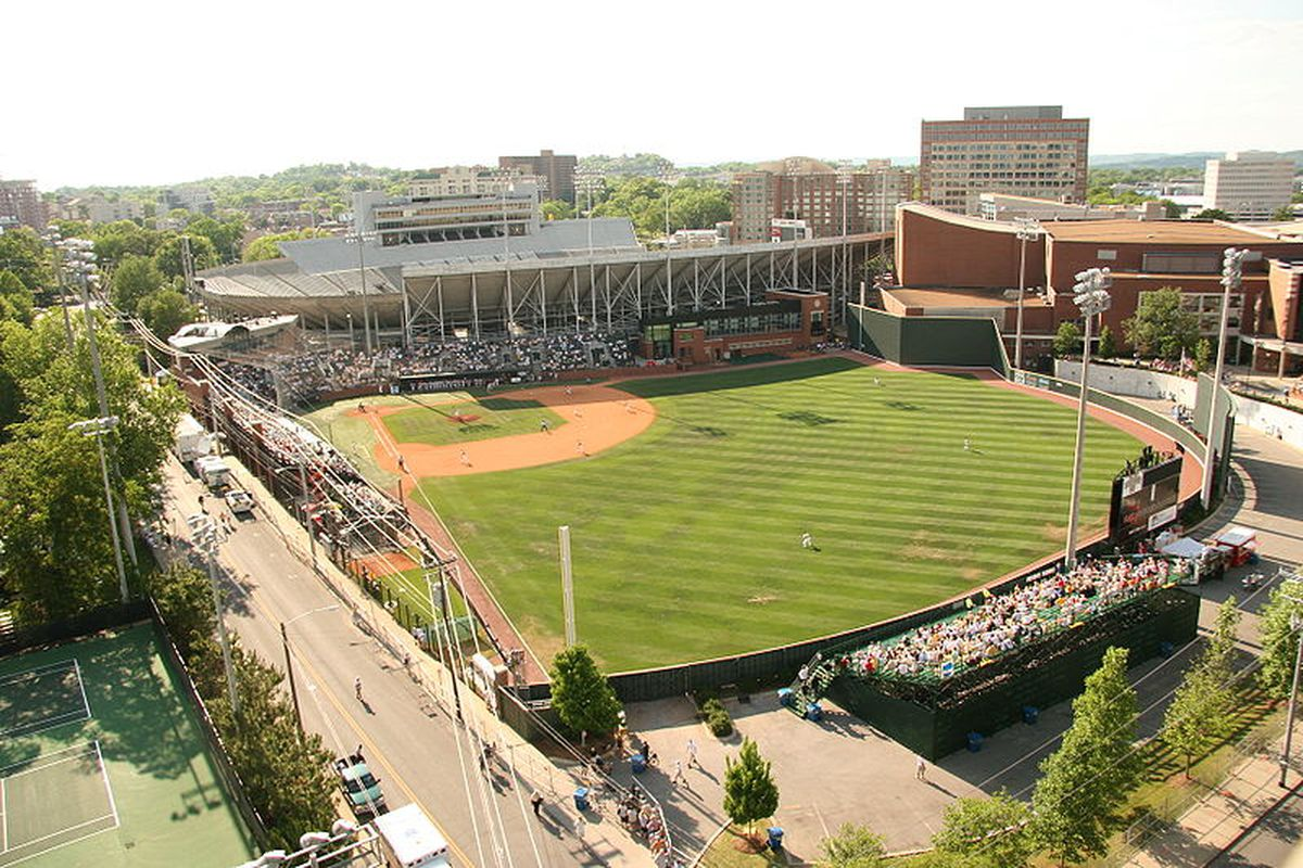 """Hawkins Field, otherwise known as the best place to spend your hungover Sundays in the world. via <a href=""""http://upload.wikimedia.org/wikipedia/commons/thumb/0/08/Hawkins_Field.JPG/800px-Hawkins_Field.JPG"""">upload.wikimedia.org</a>"""