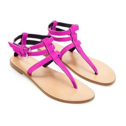 """Leather Thong Sandals in Fuchsia, $79.90 at <a href=""""http://www.zara.com/us/en/woman/shoes/flat-sandals/leather-thong-sandals-c358010p1153067.html"""">Zara</a>"""