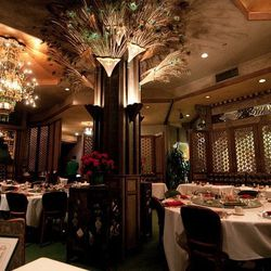 The only high-rise roof garden restaurant in SF's Chinatown, and the first to make Chinese dining elegant, The Empress of China brings us back to the Han Dynasty, complete with views of North Beach and the Bay. The impressive octagonal pavilion, a 50-ton