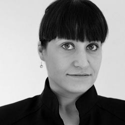 """<a href=""""http://eater.com/archives/2012/12/13/mugaritz-gatekeepers-december-2012.php"""">Mugaritz's Elisabeth Iglesias on Ketchup Requests and Making Guests Feel at Home</a>"""