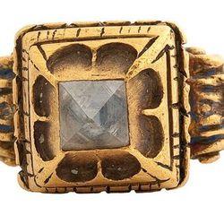 Les Enluminures. Renaissance diamond ring. The Netherlands, c. 1500. Gold and diamond.