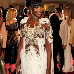 Naomi Campbell knows how to wear McQueen