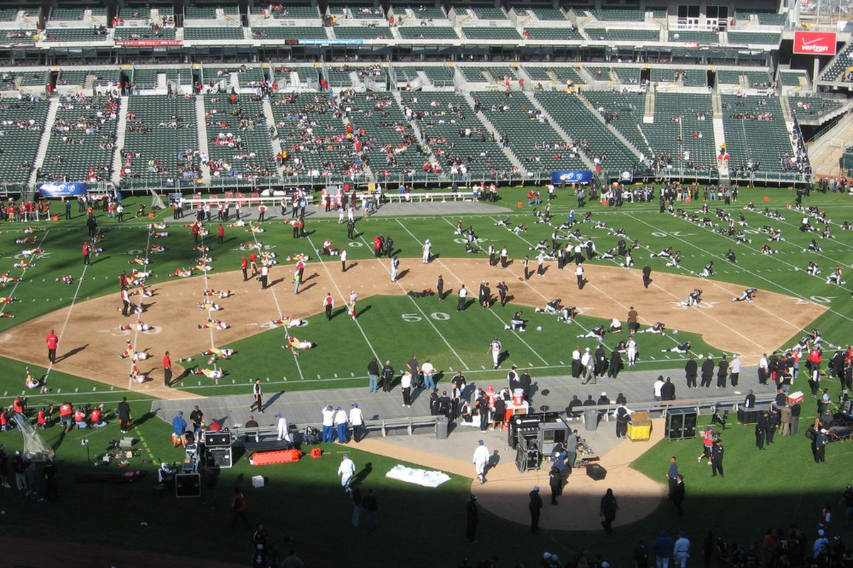 49ers and Raiders stretch before their exhibition game on Saturday night.  (Photo: Samuel Lam)