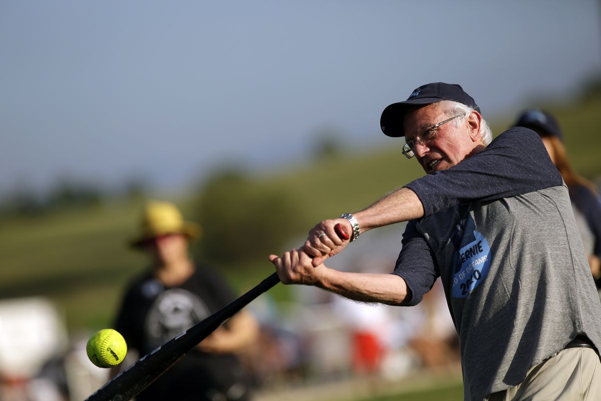 """Bernie Sanders Joins Press And Campaign Staff For Softball In """"Field Of Dreams"""""""