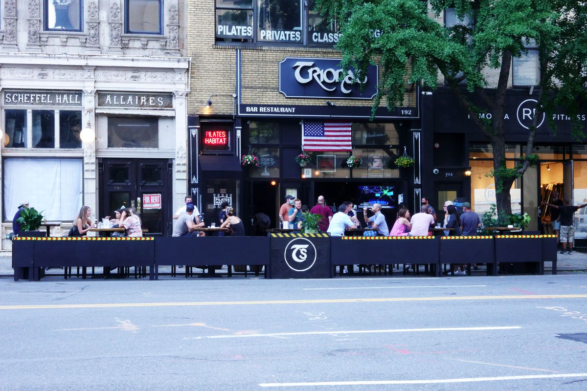 Manhattan outdoor dining only during Phase Two reopening, Trionas Bar