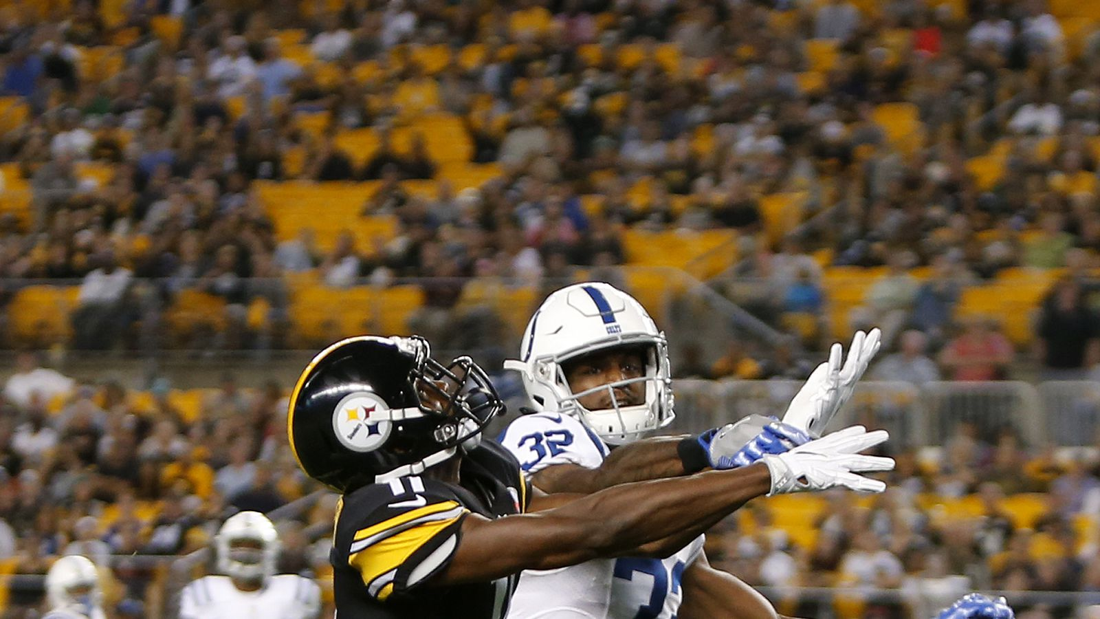 Tj Green S Move To Cornerback Yielding Positive Early