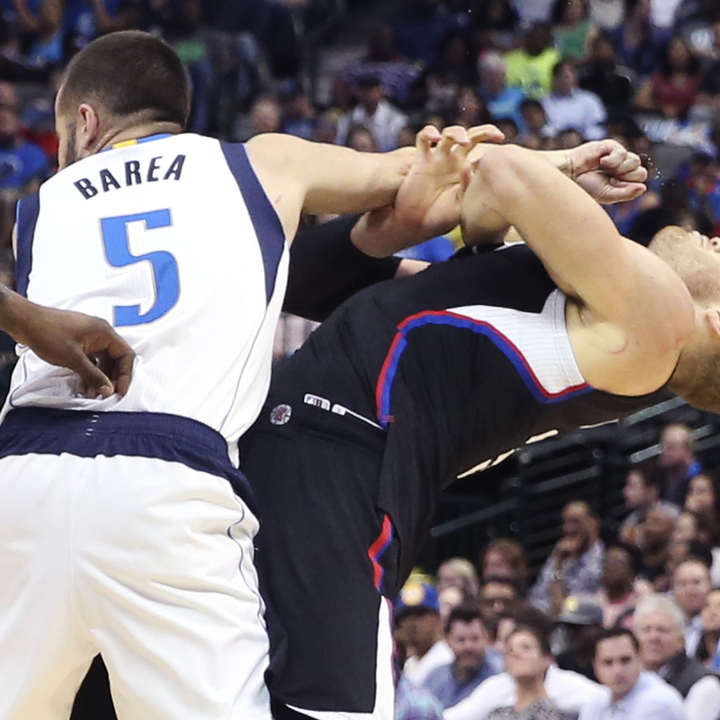 J J  Barea called out Blake Griffin for flopping after he